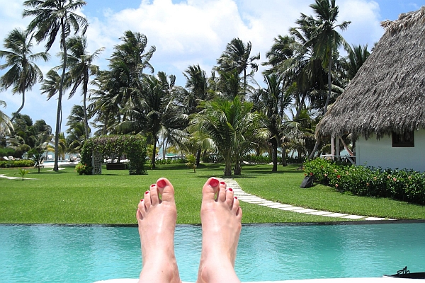 почивка сред палми