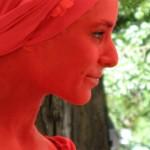 Жената в червено привлича мъжете