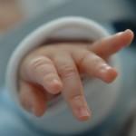 Бебетата, които жестикулират повече, стават с по-богат речник
