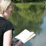 Плетене и четене на книги срещу деменция