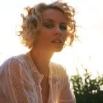 Кайли Миноуг e Жена на годината 2009 според списание Glamour-UK