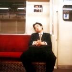 Хората с пари спят по-добре