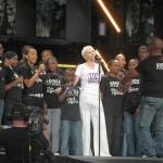 Певицата Ани Ленъкс е Жена на мира 2009 година