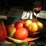 Плодове и червено вино срещу рак на дебелото черво