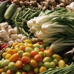Проверяват през март 2010 г. плодове и зеленчуци за пестициди и нитрати