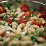 Здравословна рецепта за шарена салата с бял боб