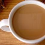 Чай с мляко не е здравословна комбинация