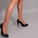 Високите токчета могат да доведат до артрит