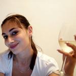 Умерено количество алкохол е полезно за здравето на жената