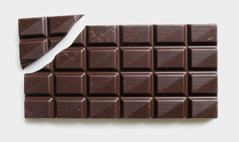 Обичате ли тъмен шоколад? Вижте с какво ни е полезен!