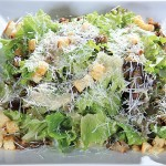 Здравословна зелена салата Бодега с патешко конфи