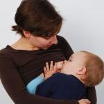 Инсулин помага за появата на майчиното мляко
