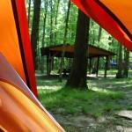 Спане в палатка оправя съня
