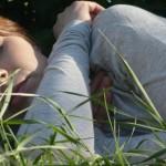 Защо липсата на сън води до напълняване