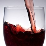 Червено вино за здрави зъби