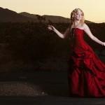 Червени одежди в музикални клипове