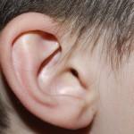 Направиха уши на дете от ребрата му