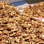 Орехи срещу рак на дебелото черво