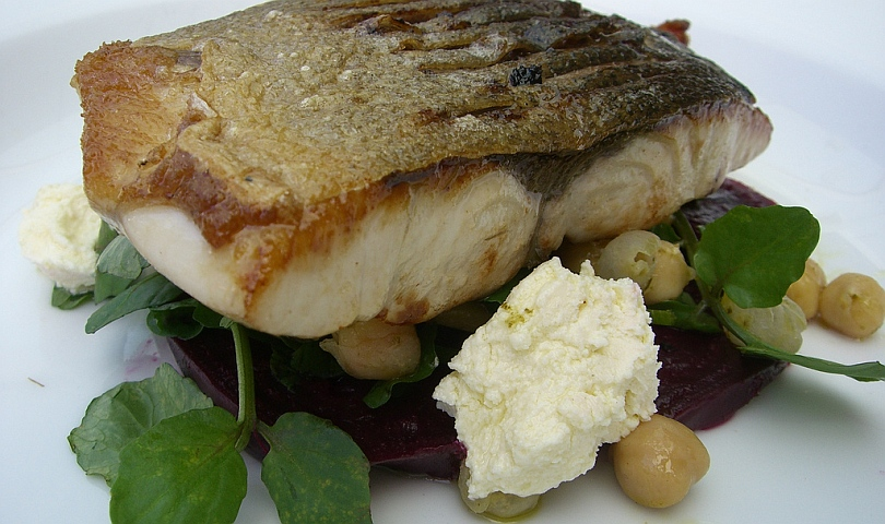 риба с нахут