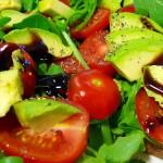 Здравословна разядка при диабет с авокадо и домати