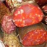 Колбасите и червеното месо убиват бедните