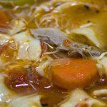 Лечебните свойства на пилешката супа