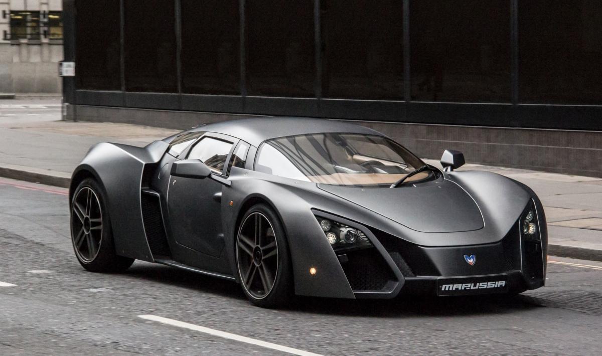 сива супер кола