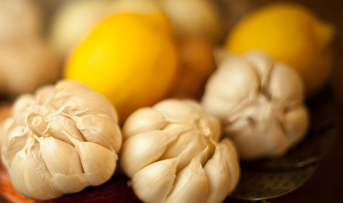 лимони и чесън