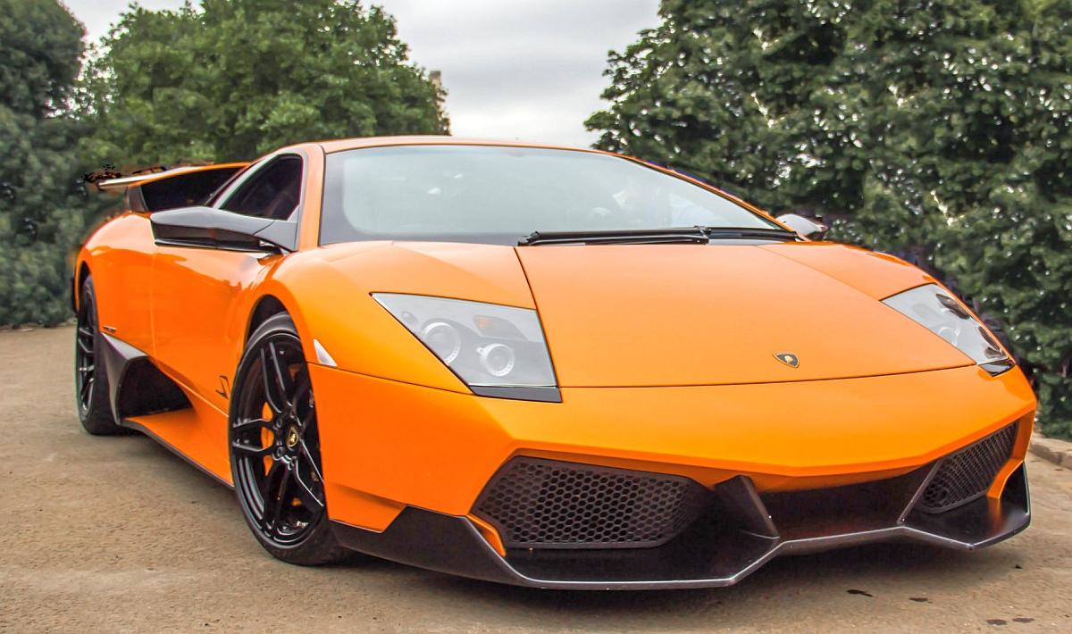 оранжева супер кола