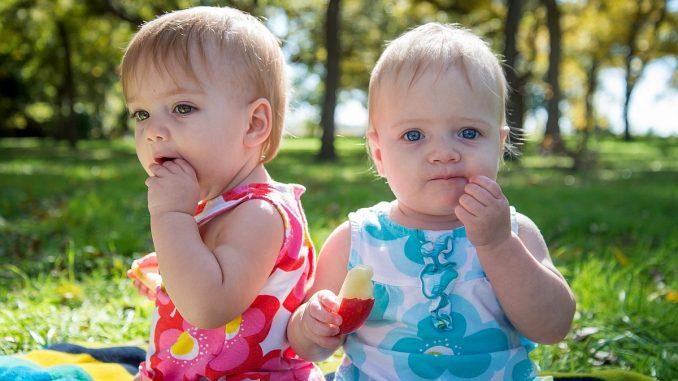 бебета с ябълка
