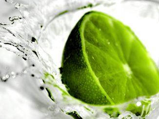 зелен лимон