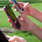 Половината тийнейджъри са нон стоп в интернет