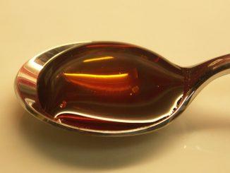 лъжица с мед