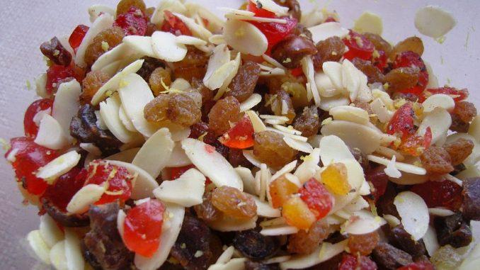 сушени плодове и ядки