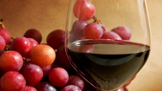 червен овино и грозде