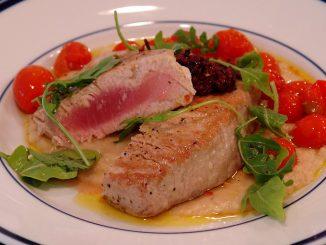 печена риба тон