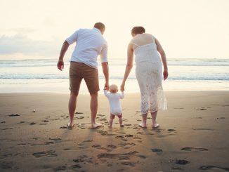 бебе на плаж