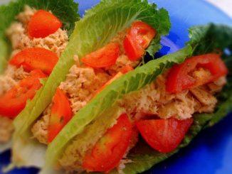 риба тон с домати