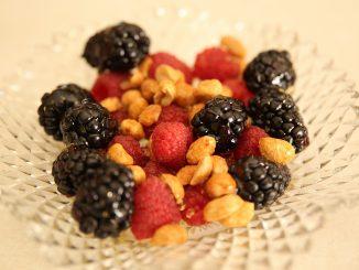 горски плодове и ядки