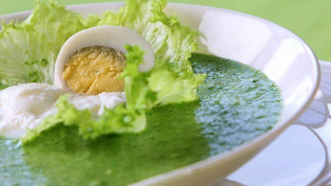 студена супа спанак