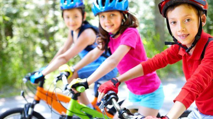 деца с колела