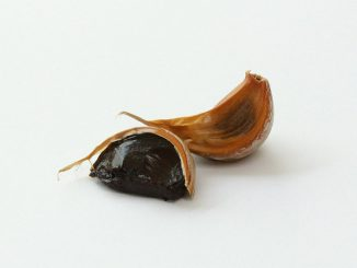 черен чесън